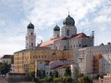 Passau: Stephansdom - Domplatz