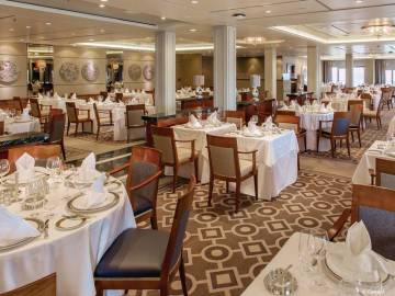 Queen Mary 2: Princess Grill Restaurant
